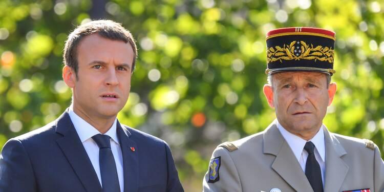 Emmanuel Macron devait-il virer le général Pierre de Villiers ?