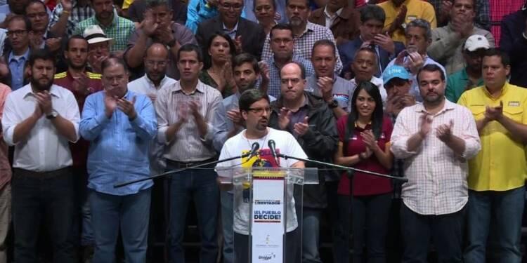 Venezuela : l'opposition appelle le président Maduro à négocier