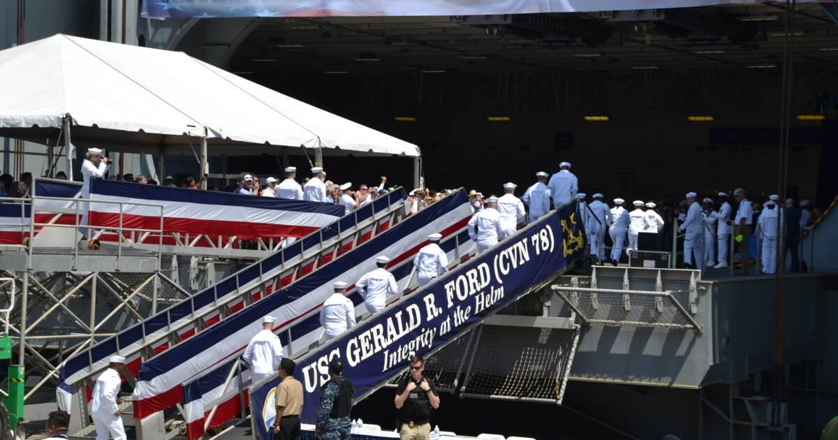 D couvrez en images le plus gros porte avions du monde - Plus grand porte avion du monde ...