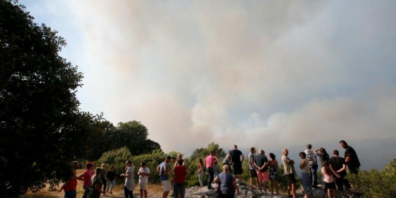 De nouveaux départs de feu dans le sud-est de la France