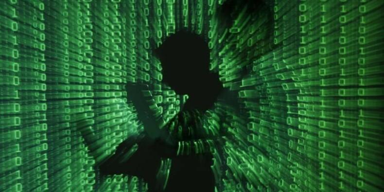 Des agents russes sur Facebook pour pirater En Marche !