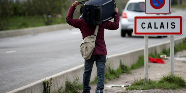 Un migrant meurt percuté par un véhicule près de Calais