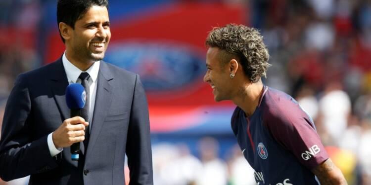 Neymar accueilli triomphalement au Parc des Princes