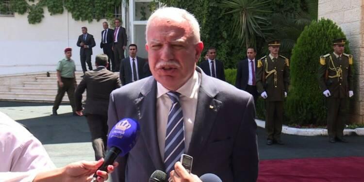 Abdallah de Jordanie rend une rare visite à Abbas