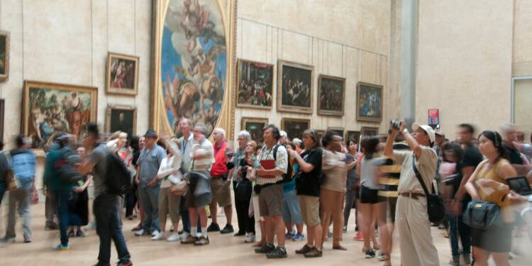 Doit-on limiter l'afflux de touristes en France ?