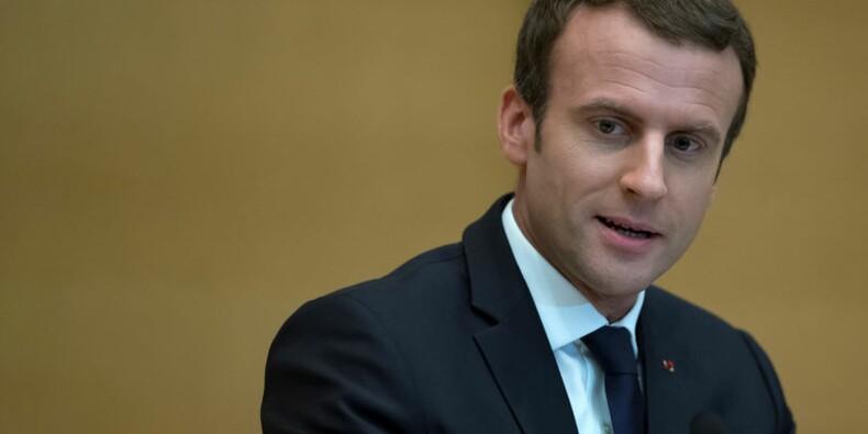 Macron porte plainte contre un photographe pour harcèlement