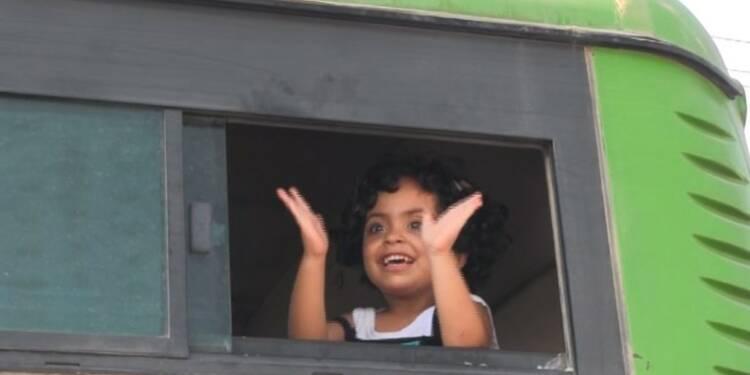 Des centaines de déplacés retournent chez eux à l'est d'Alep