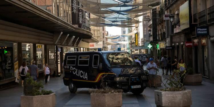 La police espagnole traque Younès Abouyaaqoub, l'enquête s'étend