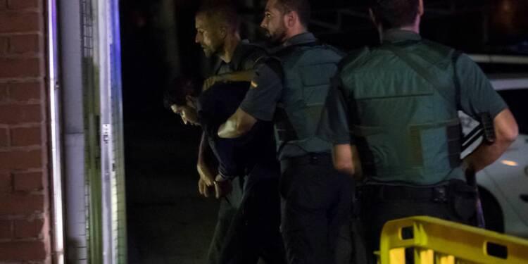 Deux suspects de l'attaque à Barcelone incarcérés, un autre libéré