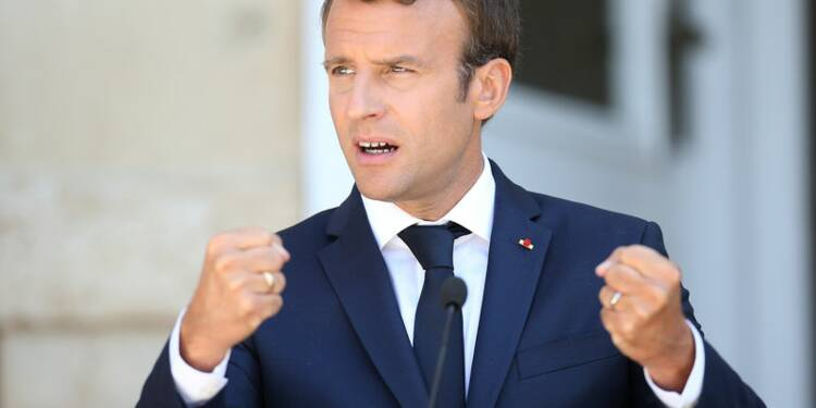 Macron boucle sa tournée dans l'Est en attaquant Varsovie