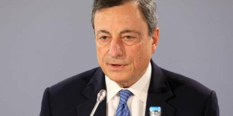 Draghi défend la politique ultra-accommodante de la BCE