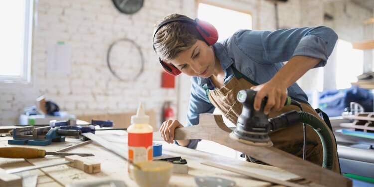 """Plafond doublé pour les """"auto-entrepreneurs"""" : une aubaine à saisir pour tous les petits entrepreneurs ?"""