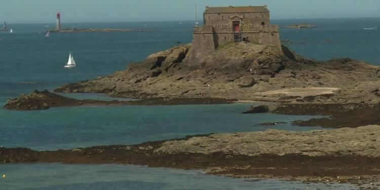 Une nuit dans un fort en mer pour financer sa rénovation