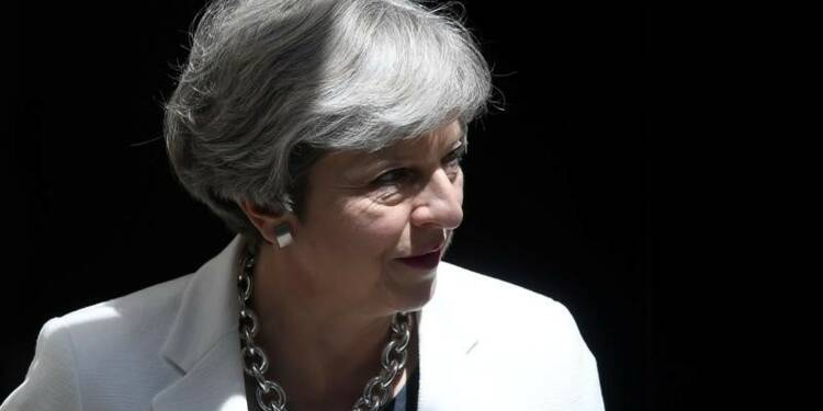 Londres envisage de copier les accords commerciaux de l'UE, dit May