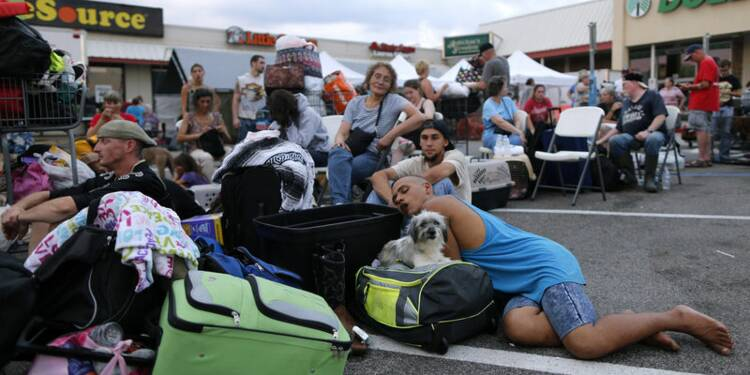 Les évacuations se poursuivent au Texas où Harvey a fait 44 morts