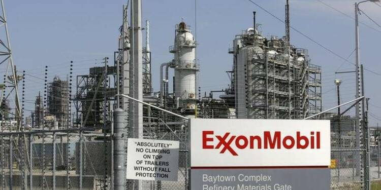 Les raffineries du Texas commencent à reprendre leurs activités