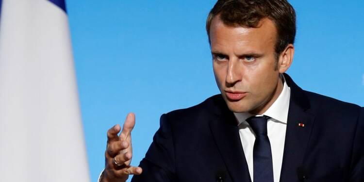 Macron tente de rassurer sur les contrats aidés