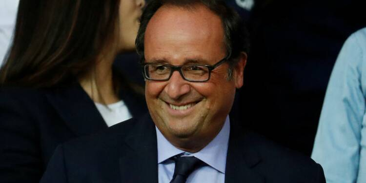 Hollande lance sa fondation et parlera le moment venu