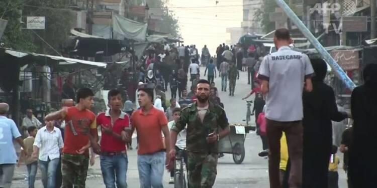 Syrie: les habitants de Deir Ezzor célèbrent la fin du siège