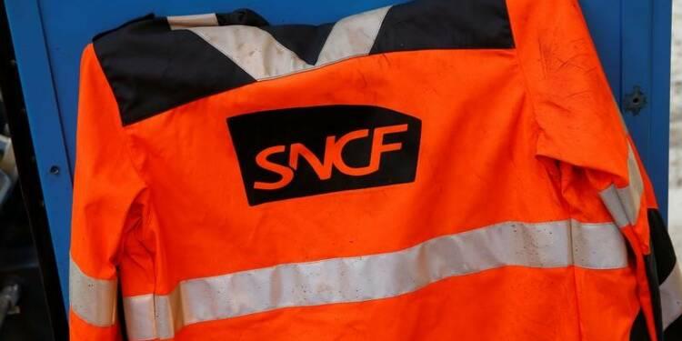 Macron pour une vaste transformation de la SNCF