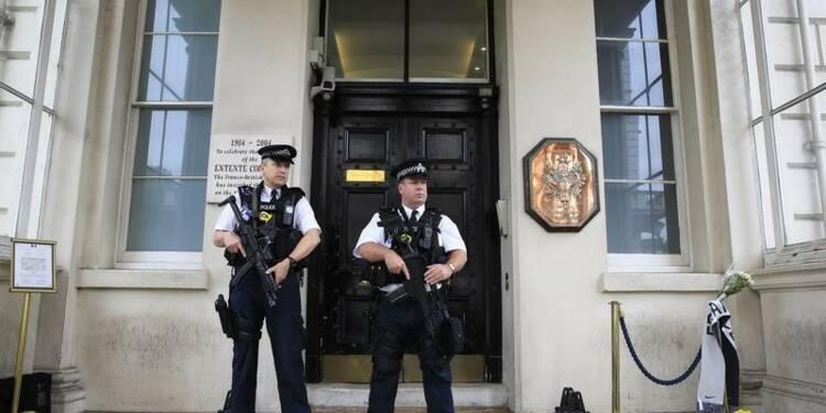 Des djihadistes infiltrés dans deux ambassades de France