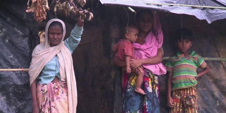 Des dizaines de milliers de Rohingyas fuient au Bangladesh