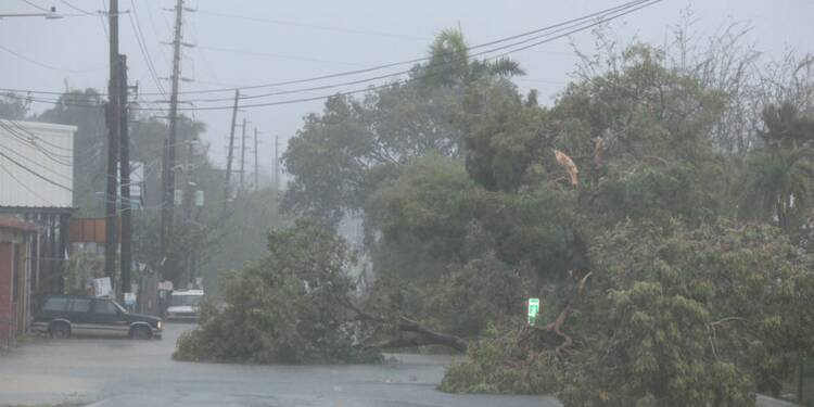 Ouragan Irma  : l'île de Saint-Martin détruite à 95%, Saint-Barth dévastée, la Floride se prépare