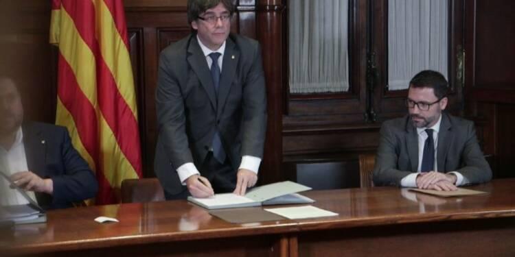 Le gouvernement catalan déclenche le choc frontal avec Madrid