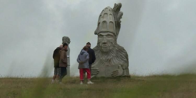 Bretagne : la Vallée des Saints,