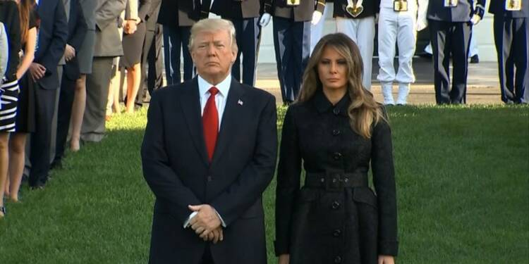 11-Septembre: Trump observe une minute de silence