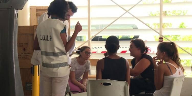 Irma : des sinistrés de Saint-Martin regagnent Point-à-Pitre
