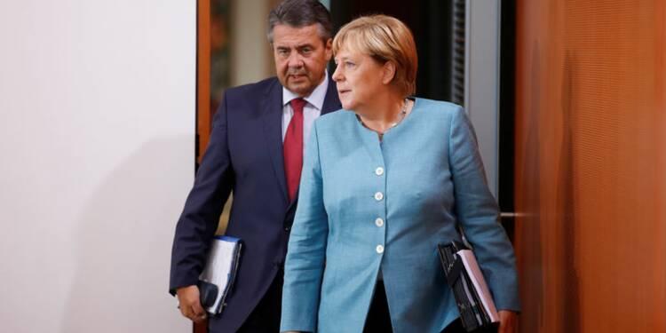 Merkel rejette un embargo sur les livraisons d'armes à Ankara