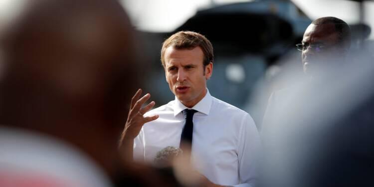 Irma: Macron promet une reconstruction exemplaire, balaye la polémique