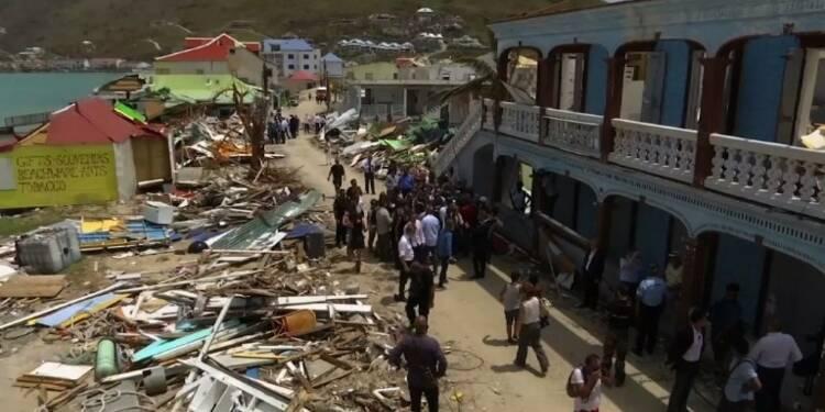 Macron rend visite aux victimes de Saint-Martin