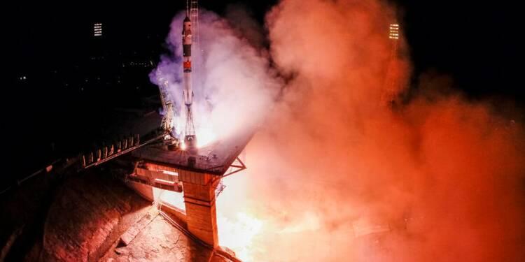 Arrimage réussi à l'ISS du vaisseau avec 3 hommes à bord