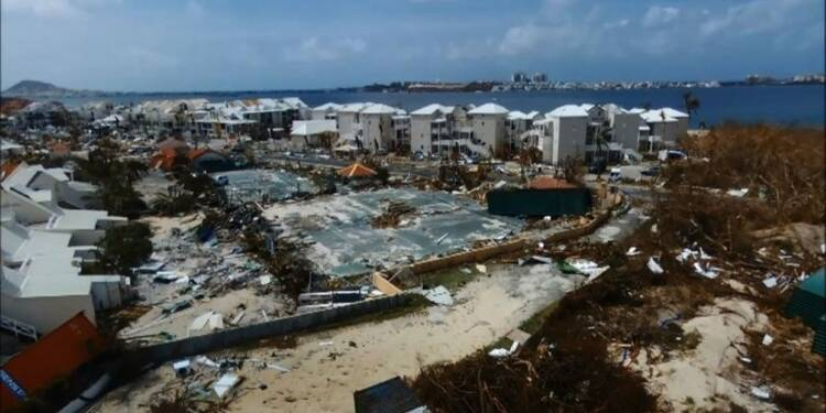 Irma: survol en drone de Saint-Martin dévastée