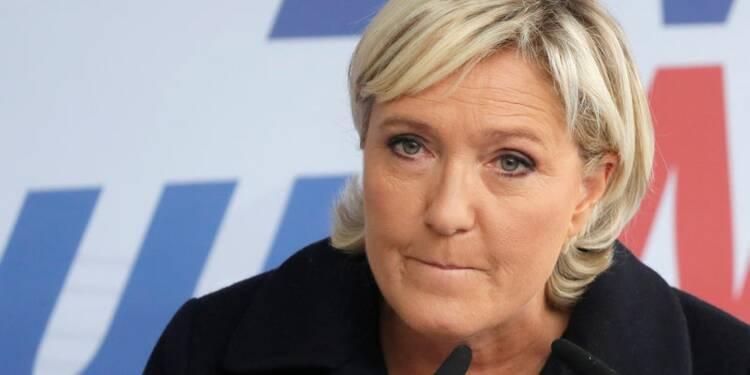 Le Pen somme Philippot de clarifier sa situation au FN
