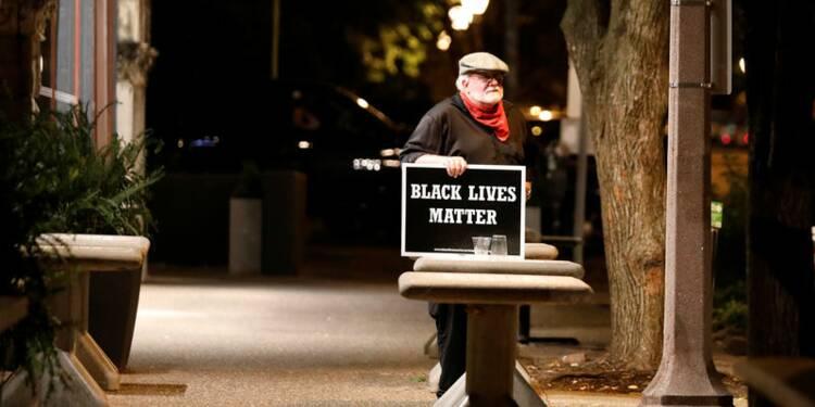 USA: Heurts à St Louis après l'acquittement d'un ex-policier blanc