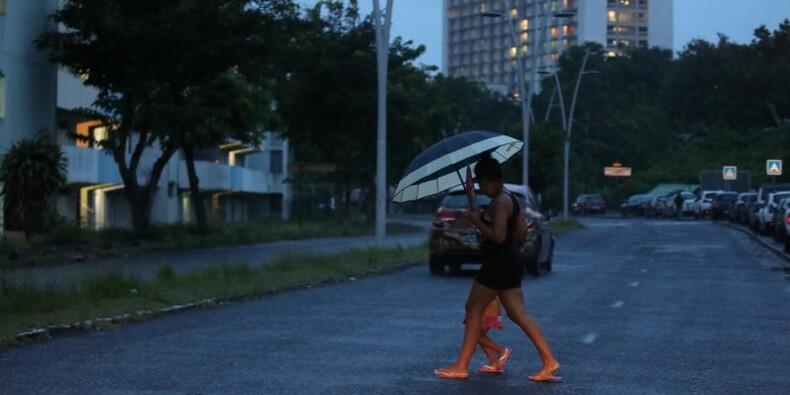 "Maria, ouragan ""majeur"", s'éloigne de la Guadeloupe"