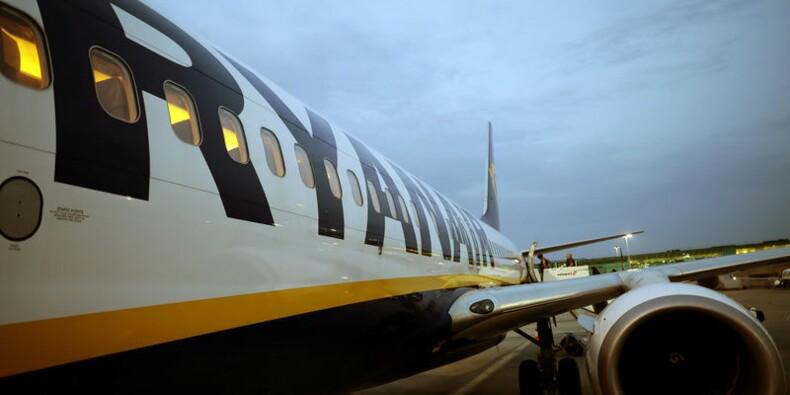 Ryanair propose des primes aux pilotes face aux annulations de vols