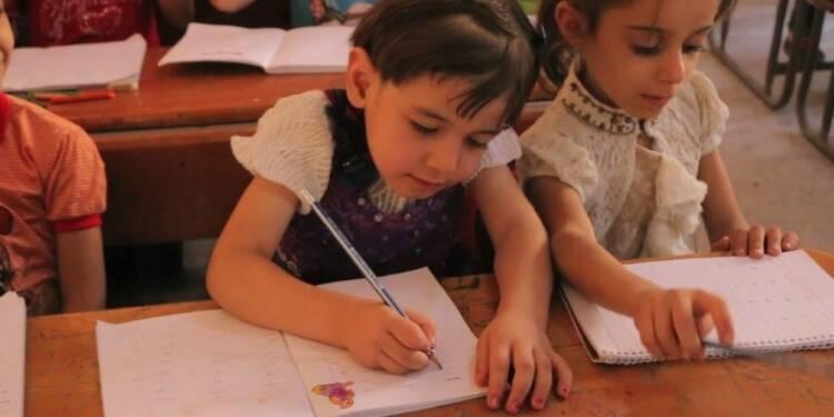 Syrie: les élèves d'une ville assiégée retournent à l'école