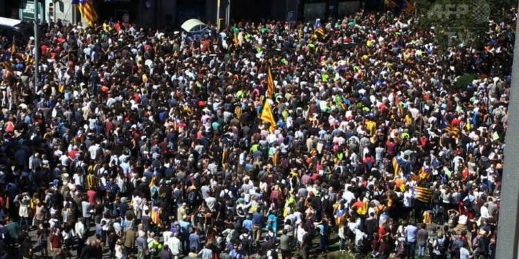 Les Catalans dans la rue à Barcelone après les arrestations