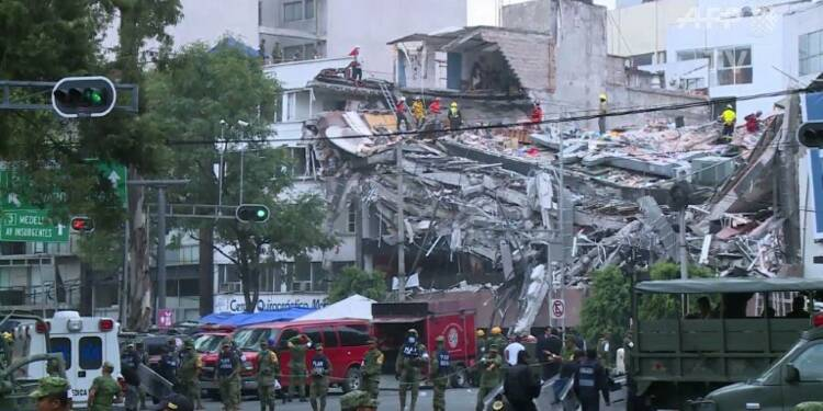 Mexico: après le séisme, la recherche effrénée des survivants