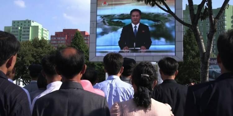 Pyongyang, 15H00: le silence de la foule face à la télévision
