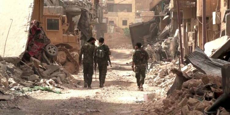 "A Raqa, la bataille ""historique"" contre l'EI touche à sa fin"