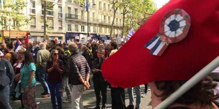 """Paris: manifestation contre le """"coup d'Etat social"""""""
