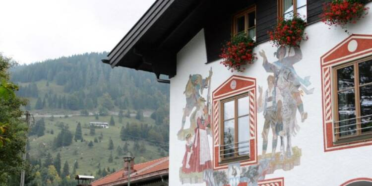 Allemagne: les Bavarois votent en tenue traditionnelle