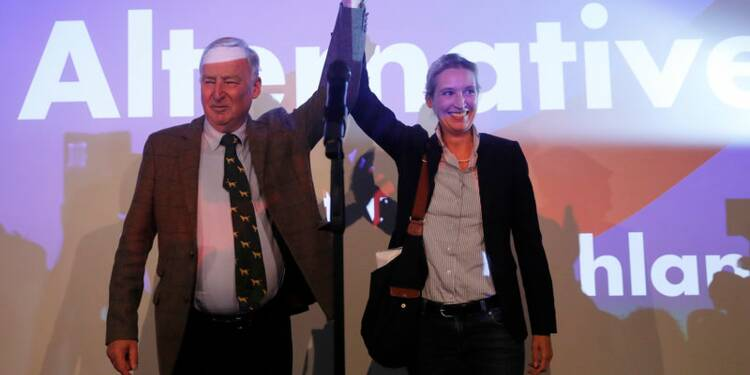 Merkel remporte son pari, terni par la poussée de l'extrême droite