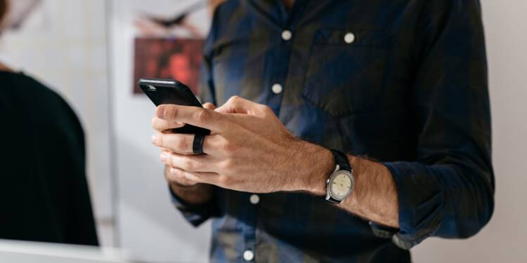 Clac des doigts, le service SMS qui vous obtient tout ce que vous voulez