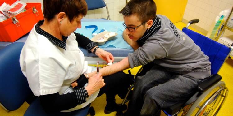 Faut-il autoriser les infirmiers à effectuer davantage d'actes médicaux ?